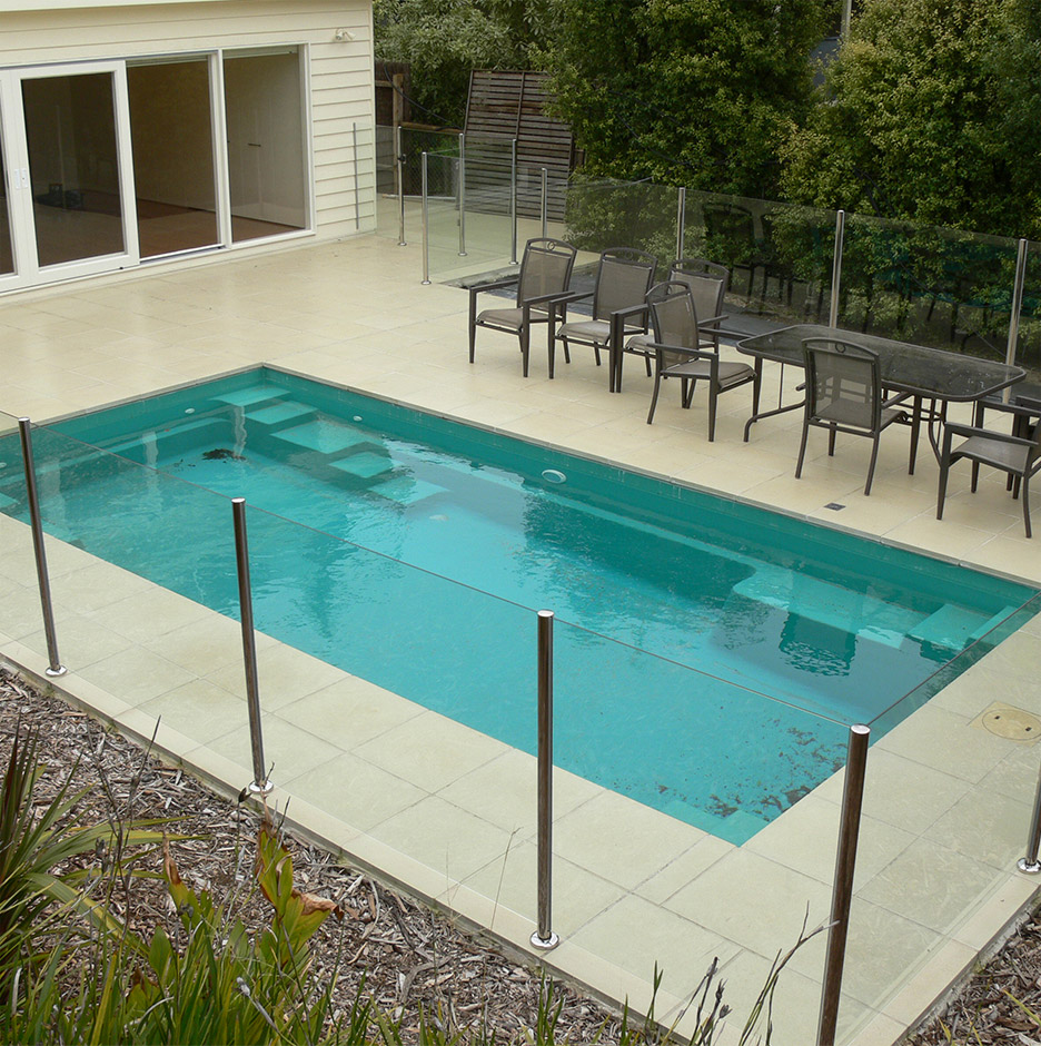 Pick Out The Perfect Fence For Your Pool