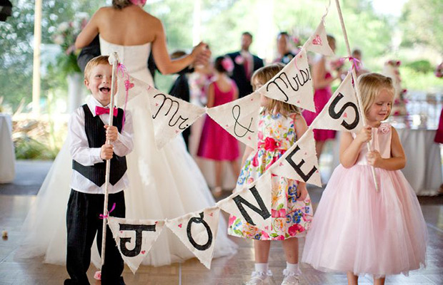 kids-busy-wedding
