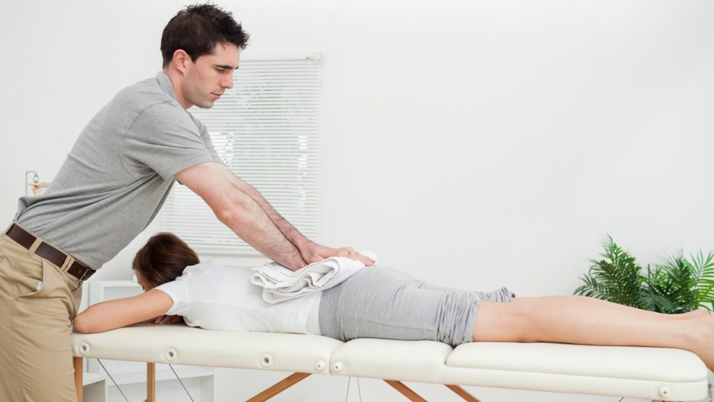 Get The Treatment Done Of Back Pain From Top Doctors